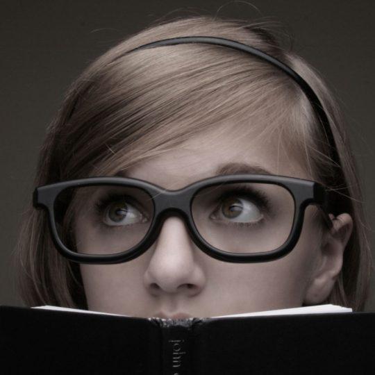 キャラ女性メガネの Android スマホ 壁紙
