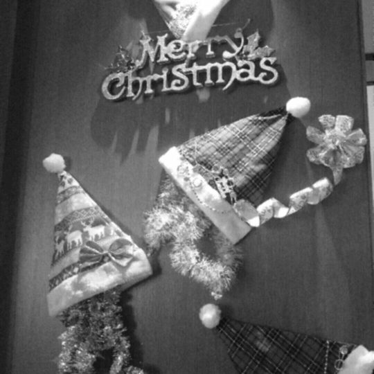 Christmas black and white Android SmartPhone Wallpaper