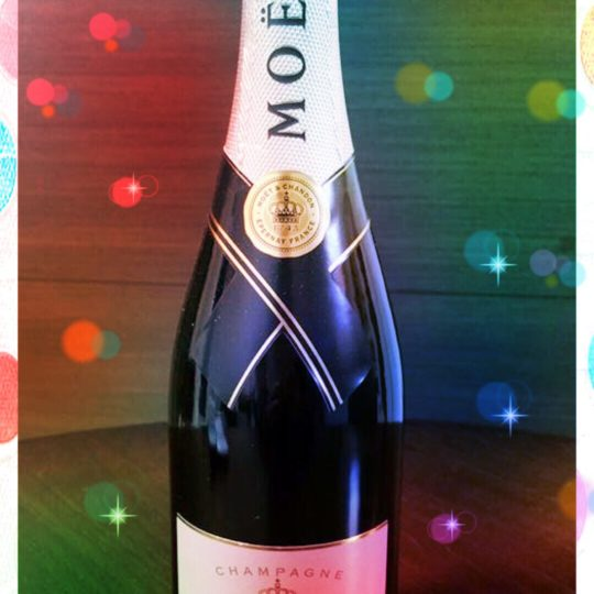 Moet et Chandon champagne Android SmartPhone Wallpaper