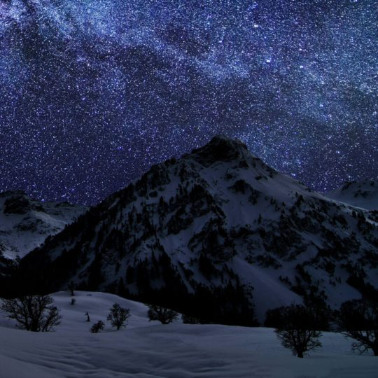 Snowy mountain landscape Android SmartPhone Wallpaper