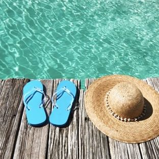 Sea hat sandals Beach Apple Watch photo face Wallpaper