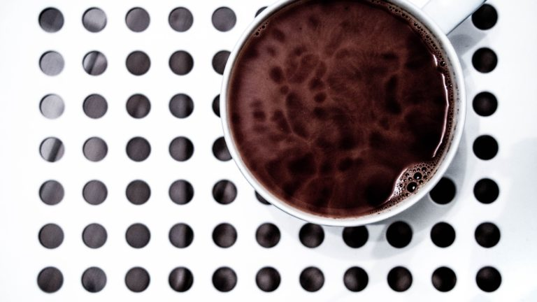 Coffee cup dot black and white Desktop PC / Mac Wallpaper