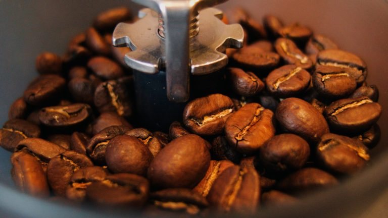 Coffee beans brown Desktop PC / Mac Wallpaper