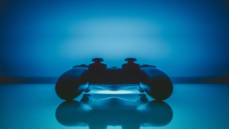 PS controller blue cool Desktop PC / Mac Wallpaper
