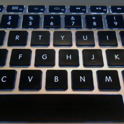 Black keyboard MacBook iPad / Air / mini / Pro Wallpaper