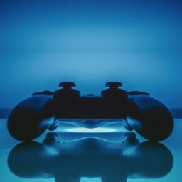 PS controller blue cool iPad / Air / mini / Pro Wallpaper