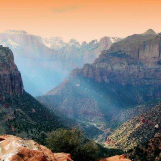 Rocky mountain landscape iPhone4s Wallpaper