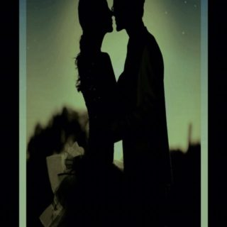 Couple kiss iPhone5s / iPhone5c / iPhone5 Wallpaper