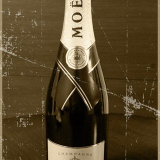 Moet et Chandon Sepia iPhone5s / iPhone5c / iPhone5 Wallpaper