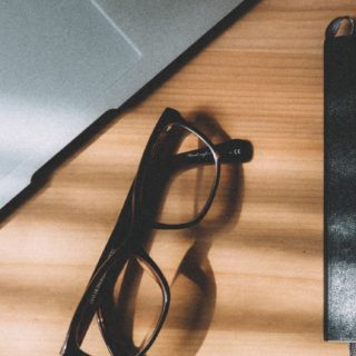 MacBook glasses notebook iPhone5s / iPhone5c / iPhone5 Wallpaper