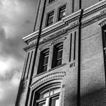 Landscape black and white building iPhone6s / iPhone6 Wallpaper
