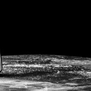 Planet monochrome iPhone8 Wallpaper