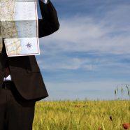 Landscape grassland human map iPhone8 Wallpaper