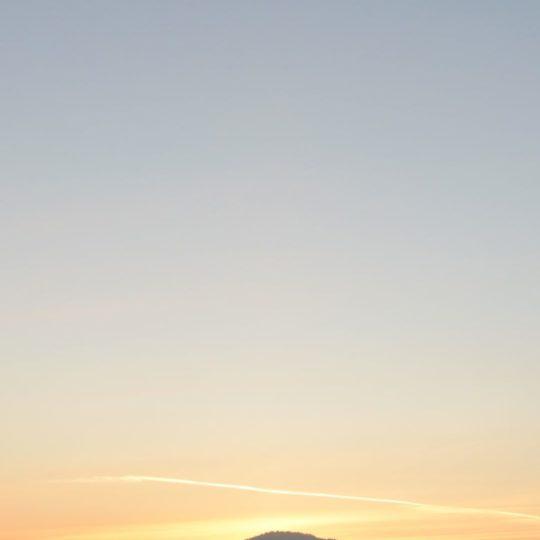 cielo paisaje montañoso cubierto de nieve Fondo de Pantalla SmartPhone para Android