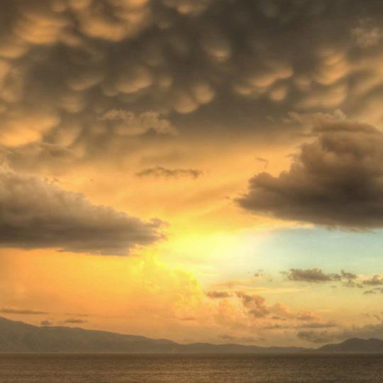 Las nubes del cielo vistas oscuridad Fondo de Pantalla SmartPhone para Android