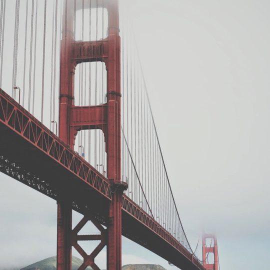 Paisaje con puente de suspensión rojo Fondo de Pantalla SmartPhone para Android