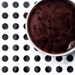 Taza de café puntos en blanco y negro iPad / Air / mini / Pro Wallpaper