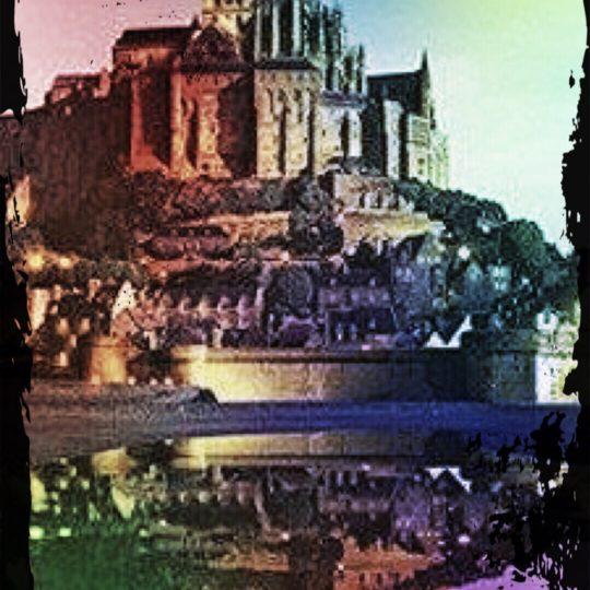 Mont Saint Michel berwarna-warni Android SmartPhone Wallpaper