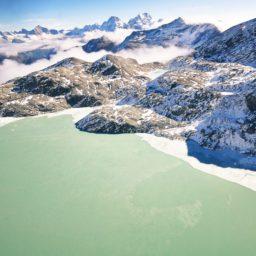 lanskap gunung bersalju iPad / Air / mini / Pro Wallpaper