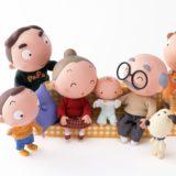 Karakter keluarga boneka