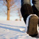 Pemandangan salju sepatu putih
