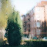 Hujan lanskap berwarna-warni