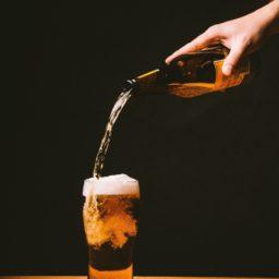 グラスビール黒の iPad / Air / mini / Pro 壁紙
