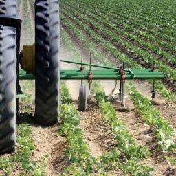 クール農業トラクター緑の iPad / Air / mini / Pro 壁紙