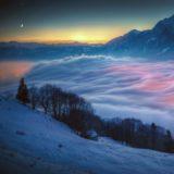 風景雪山夜