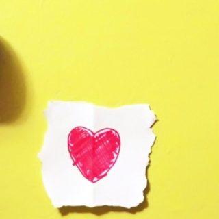女子向けハート黄紙の iPhone4s 壁紙