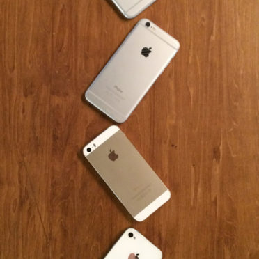 iPhone4s,iPhone5s,iPhone6,iPhone6Plus,Appleロゴ木板茶色の iPhone6s / iPhone6 壁紙