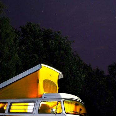 風景乗り物車夜空
