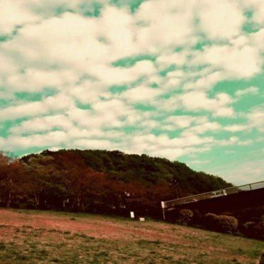 芝生 空の iPhone7 壁紙