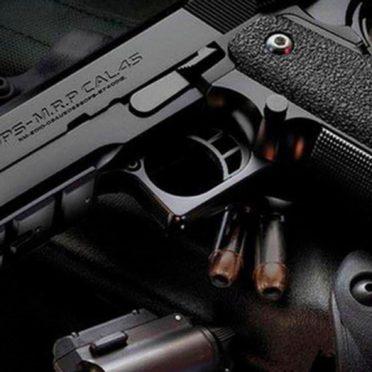 銃クール黒の iPhone7 壁紙